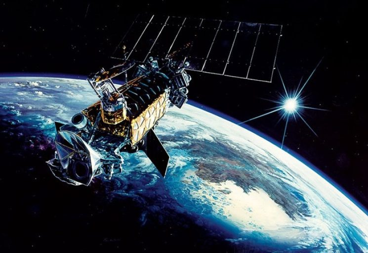 إسرائيل تطلق قمر تجسس إلى الفضاء