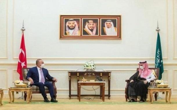 وزير الخارجية السعودي يستقبل نظيره التركي في مكة